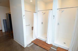 yoga Sunné studio showers